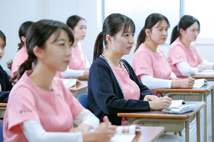 名古屋市歯科医師会附属歯科衛生士専門学校|学び3