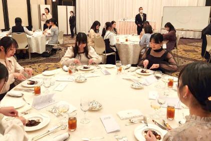 名古屋市歯科医師会附属歯科衛生士専門学校|テーブルマナー